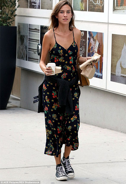 how to wear maxi dress with sneakers